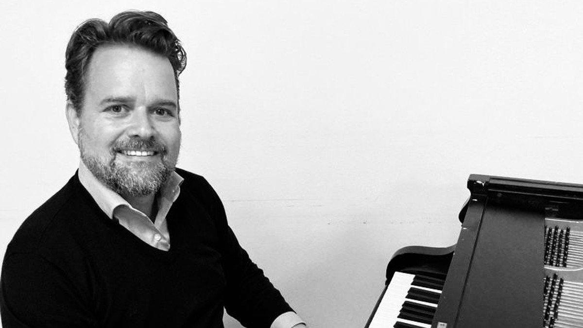 AFLYST: Koncert med Pianoman Chris Holst