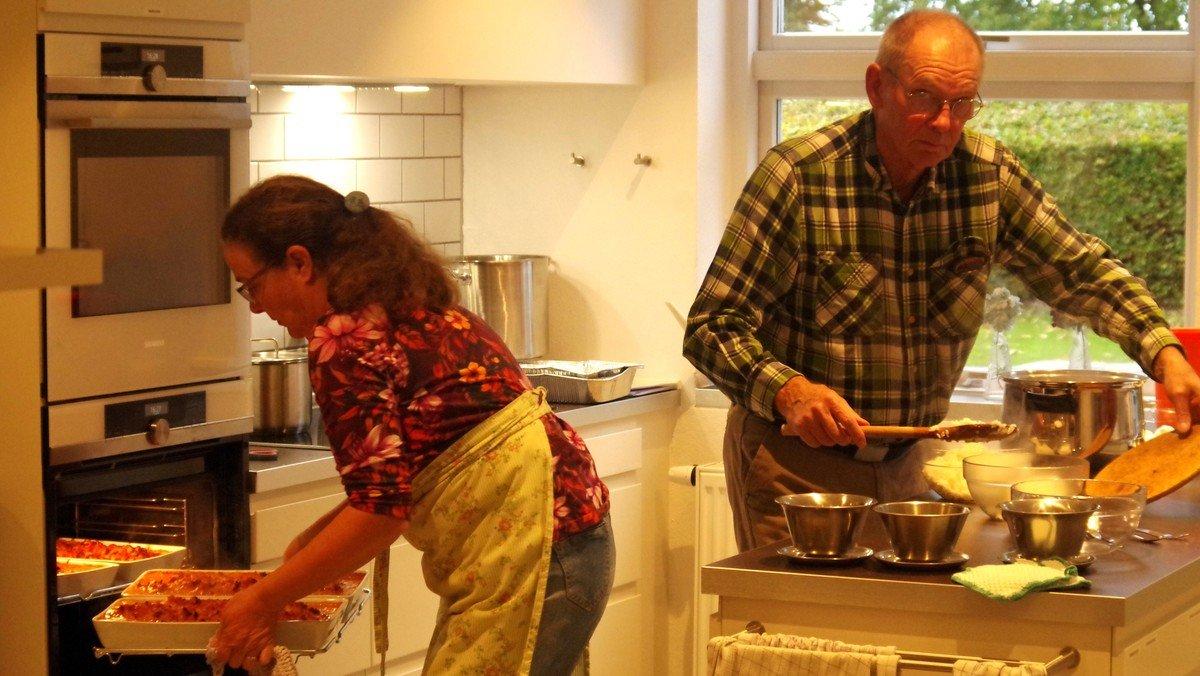 Folke-kirke-køkken. Et fællesskab for dem som gerne vil spise sammen med andre.