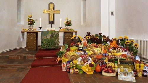 Gottesdienst zum Erntedankfest in  der Dorfkirche Schönefeld
