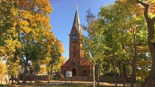 Gottesdienst in der Dorfkirche Großziethen (mit Taufe)