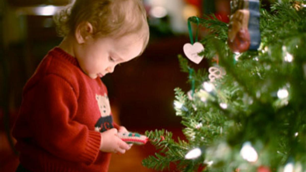 Babygudstjeneste og juletræsfest
