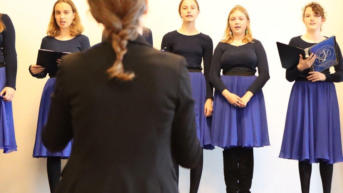 Koncert: Pigekoret synger Gabriel og Maria af John Høybye