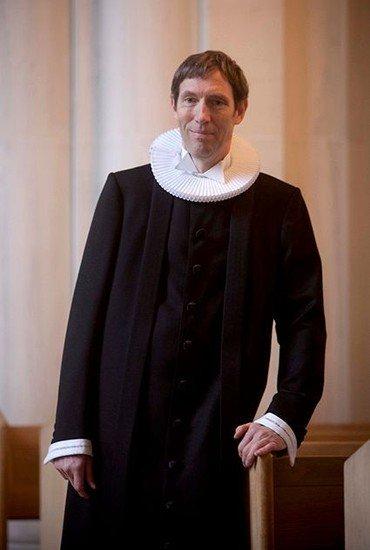 Studenterpræst Nicolai Halvorsen i præstekjole