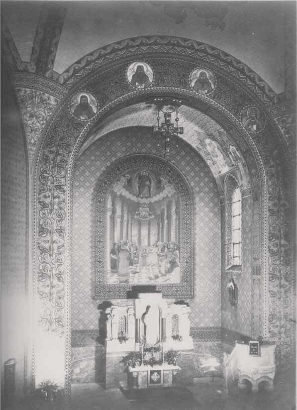 Altarraum der neu eingeweihten Hochmeisterkirche