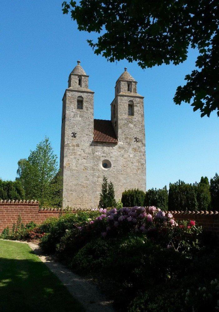 Kirken om sommeren
