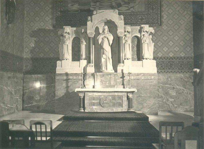 Der Altar in der neuen Hochmeisterkirche