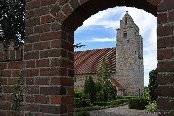 Kirken fra nordsiden