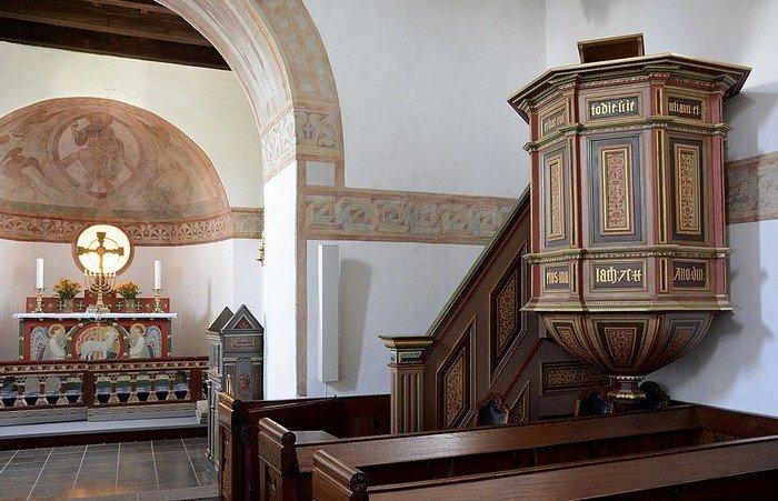 Prædikestol fra 1571.
