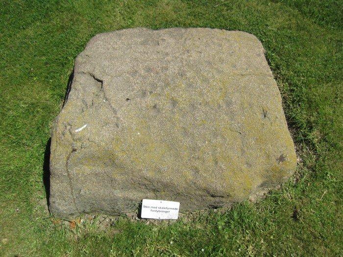 Offersten? - sten med skålformede fordybninger