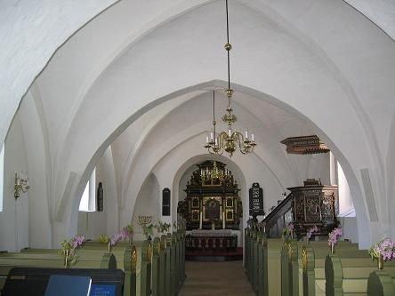 Tune kirkes 'skib' med udsyn til koret.