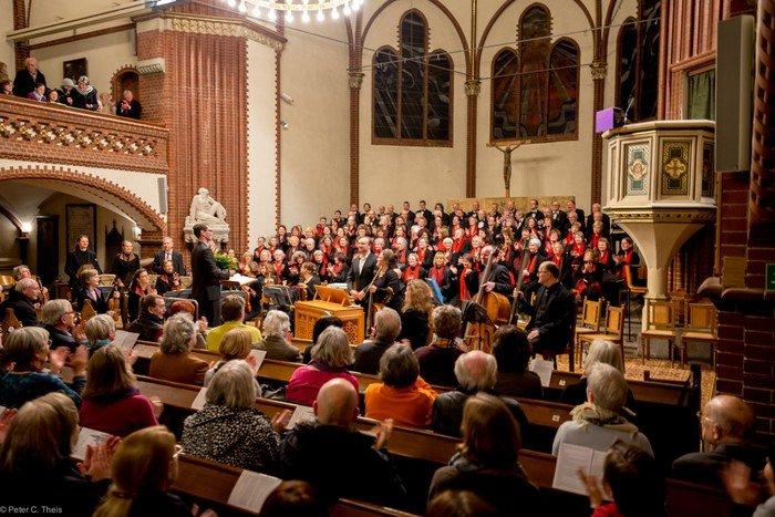 Die Kantorei bei einem Konzert. Foto: Peter C.Theis