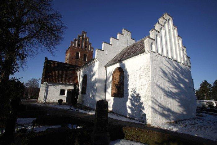 Kirkebygningen