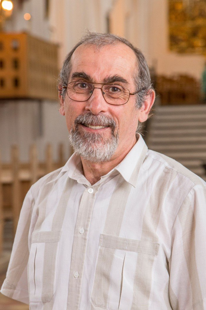 Edvard Hakhverdyan, kirketjener