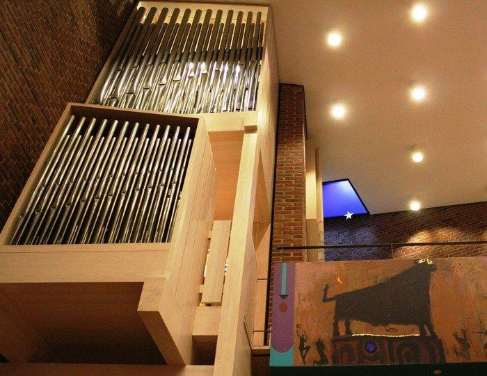 Husum Kirkes orgel