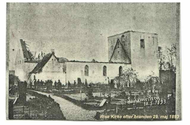 Rise Kirke efter brand i 1893