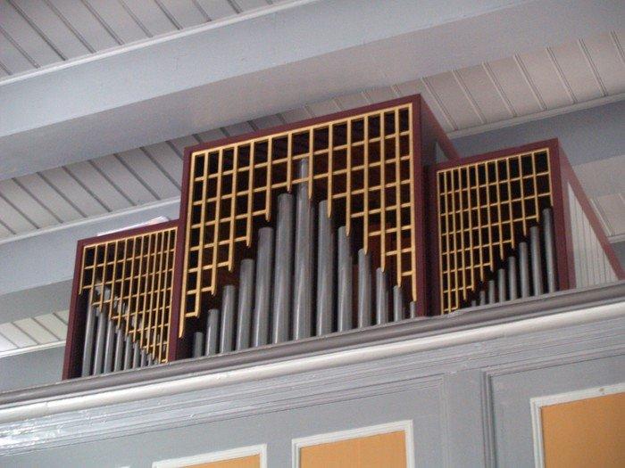 Kirkens orgel er fra 1965