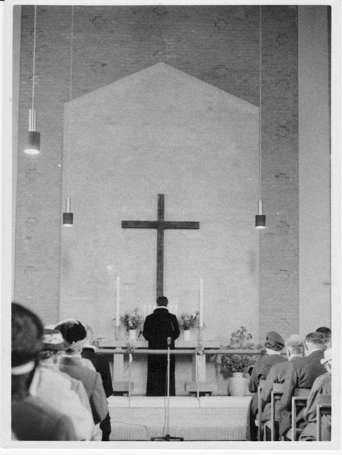 Kirkens indvielse i 1960