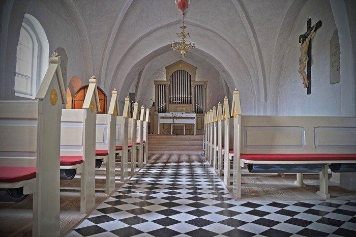 Mou kirke indefra