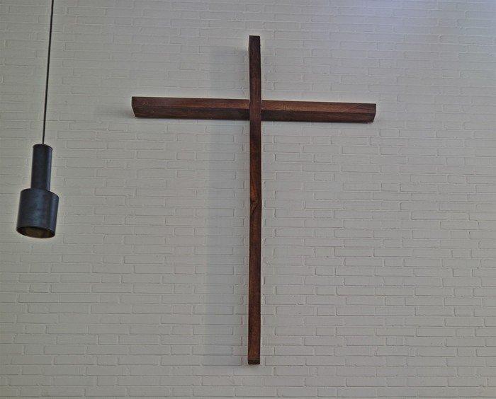 Dokkedal Kirke kors