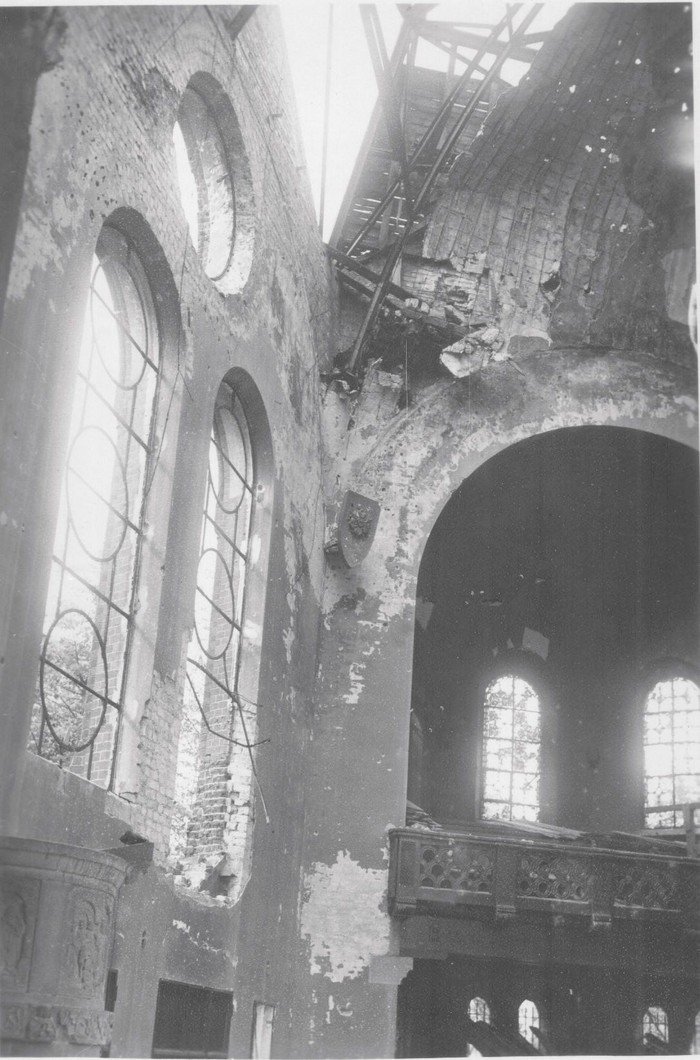 Kuppel und Fenster wurden ebenfalls schwer beschädigt