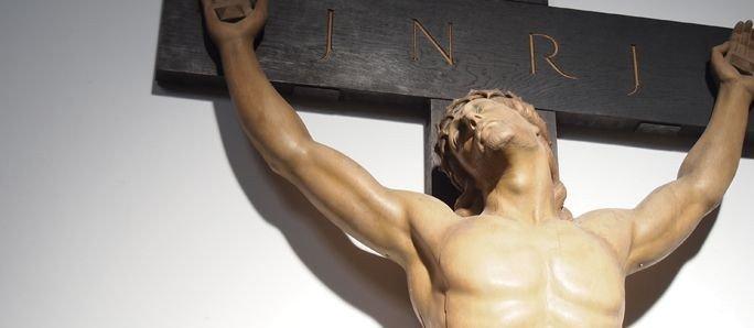 Krucifiks af Edvard Eriksen.