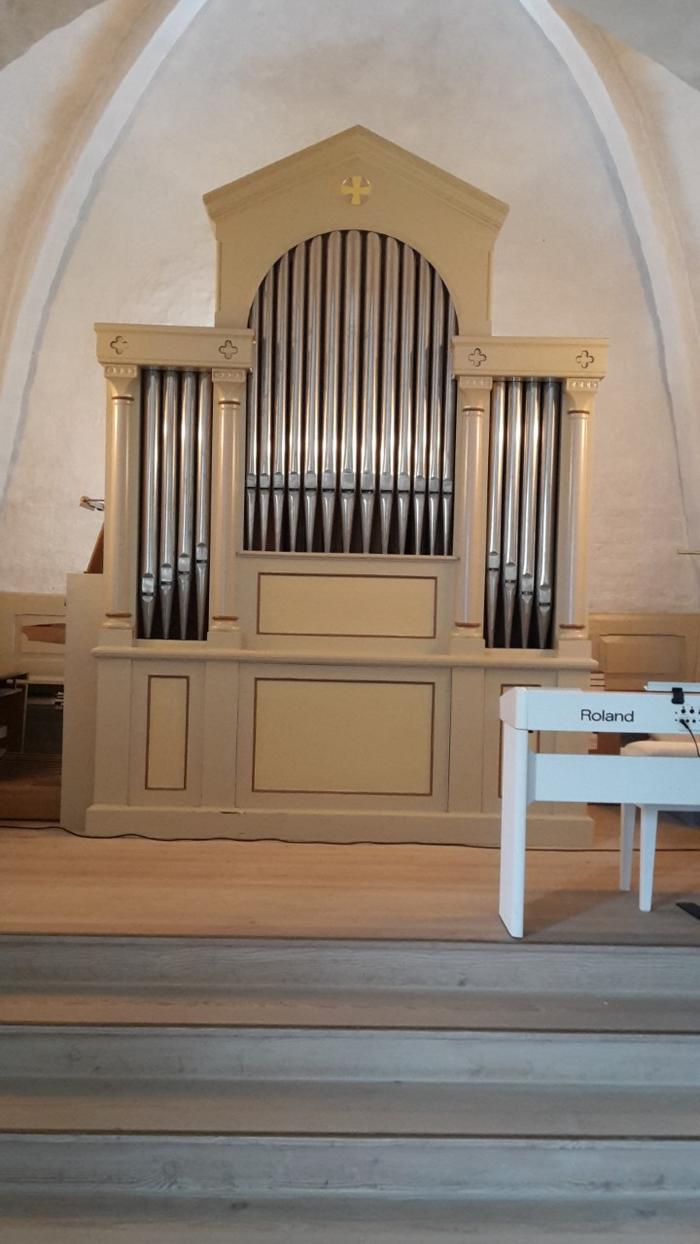 Mou kirke indefra orgel