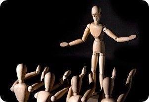 Trædukker, som viser optrædende og tilhørere