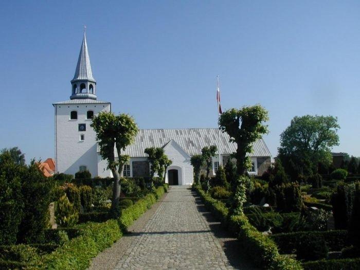 Hedensted Kirke fra syd
