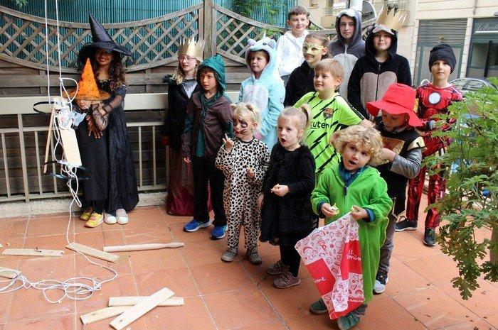 Børn og voksne i aktiviteter