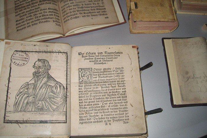 15-Bibliothek Spandovia Sacra_KG Nikolai Spandau