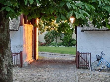 Indgang til præstegården