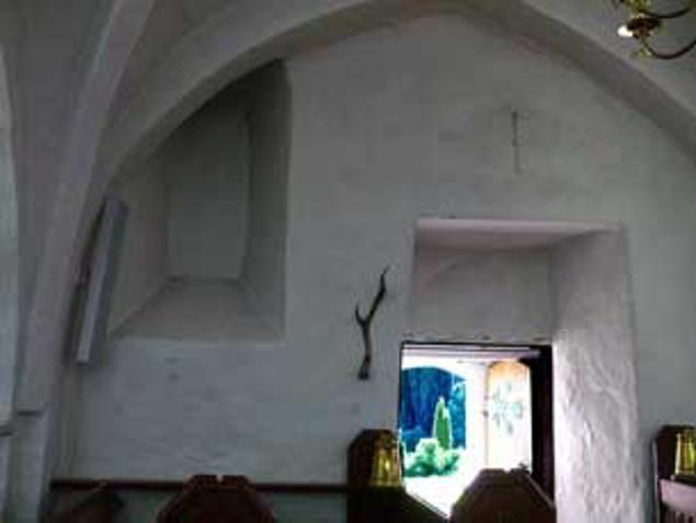 Blændet romansk vindue