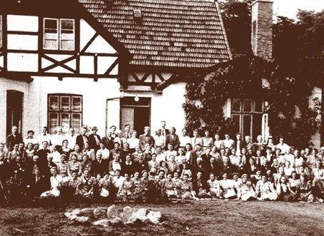 110 mænd og kvinder deltog i bibelkurset i Mårum Præstegård i august 1944