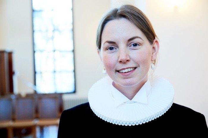 Billede af sognepræst Pernille Vinge Karlsson