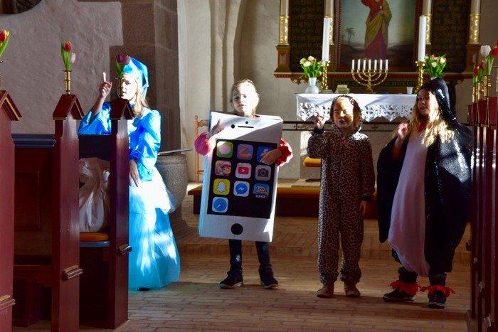 Billede af børnekor til fastelavnsgudstjeneste