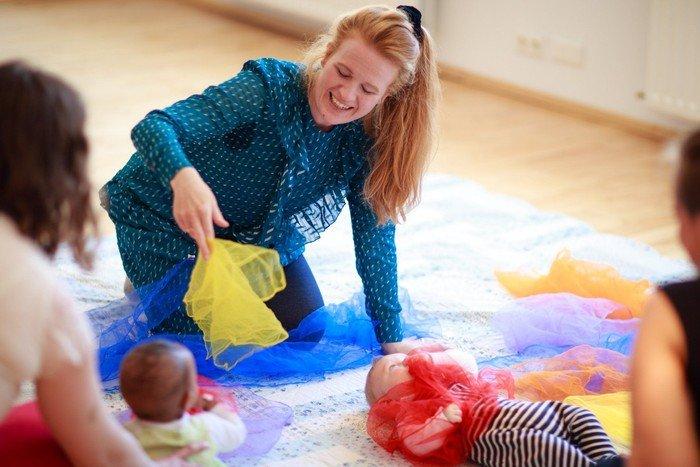 Babysalmesang er for børn fra to til ni måneder