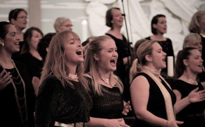 Gospelkor synger