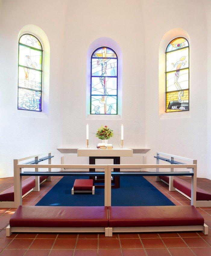 Alteret efter istandsættelsen i 2019 - Vanløse Kirke