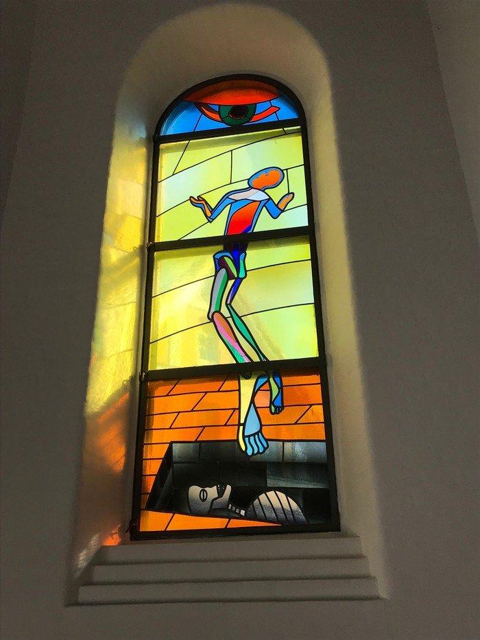 Jesu opstandelse glasmosaik - Vanløse Kirke