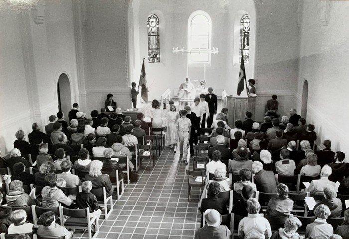 Billeder af det nye kirkerum - Vanløse Kirke 1984