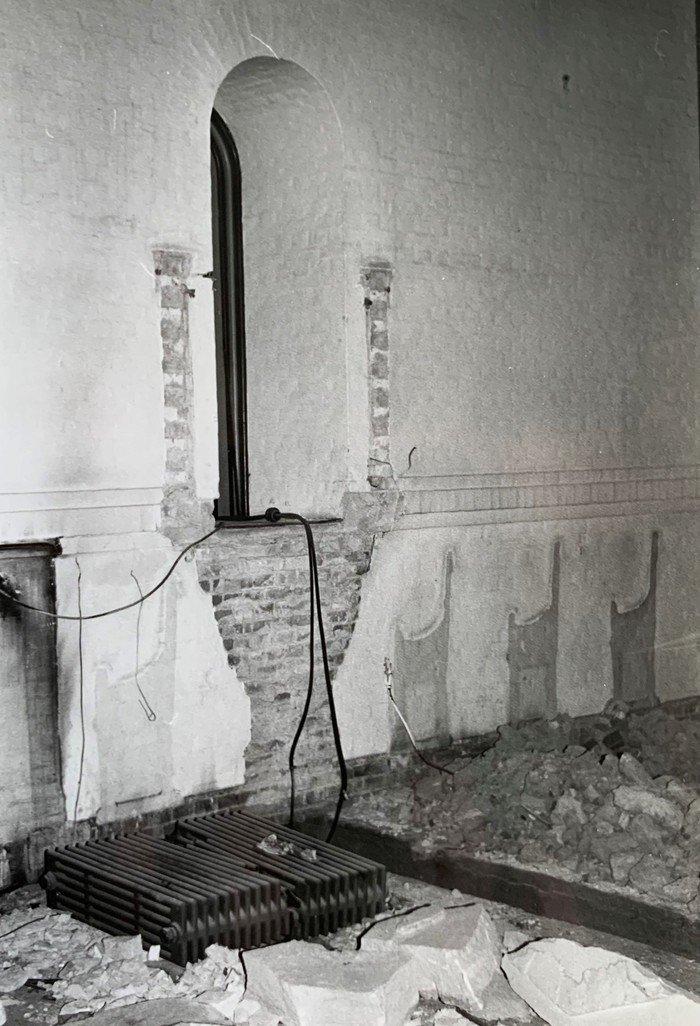 Foto fra renoveringen af Vanløse Kirke 1984