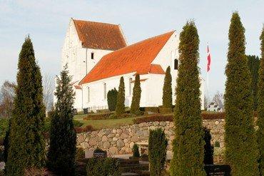 Paarup Kirke set fra Paarupvej
