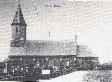 Allerede i 1924 var indbyggertallet i Struer passeret 5000. Det skabte behov for en udvidelse af kirken.