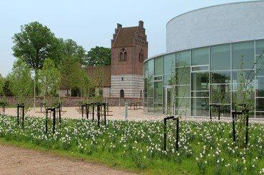 Helligtrekongers Kirke og Vallensbæk Kirke