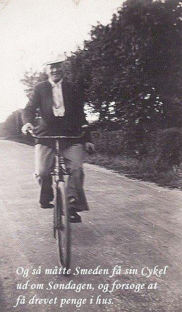 Smeden på sin cykel