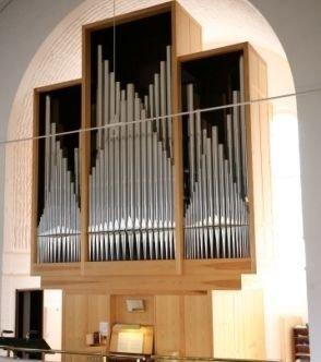 """Kirkens """"nye"""" orgel fra 2007."""