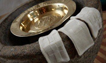 Dåbsklude på døbefont