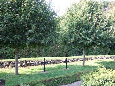 Billede fra Resen Kirkegård
