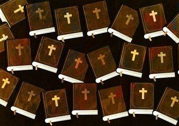 Foto af mange bibler