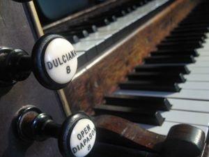 Organ Keys and Stops
